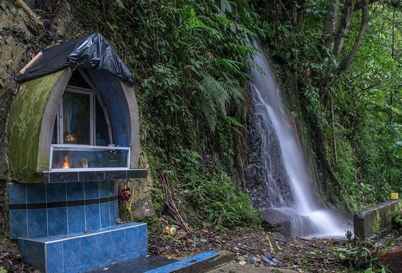 Cascada Maria Luisa Calima Darién Valle del Cauca Colombia. Encuentra aquí en nuestra guía de viajes de Lago Calima, Darién Colombia los sitios...