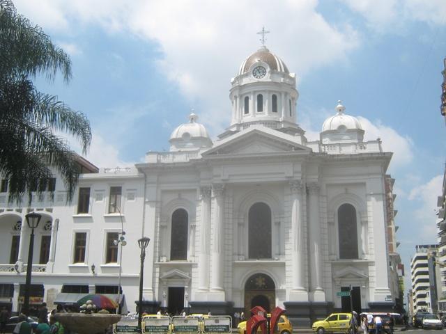 Catedral De San Pedro en Cali, Colombia